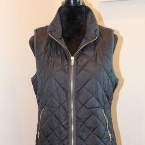 Old Navy Soft Black Quilted Zip Up Vest